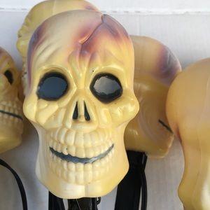 Plastic skull yard lights Halloween decor